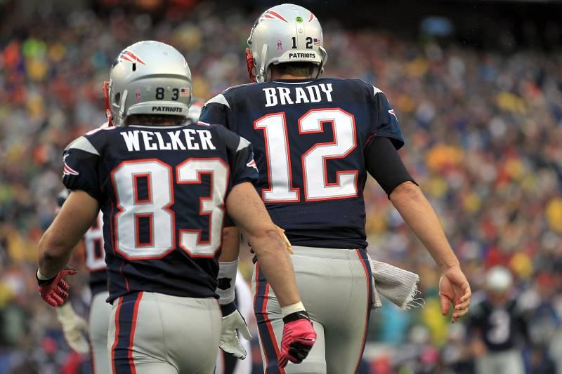 e81b953e FOXBORO, MA - OCTOBER 7: Wes Welker #83 of the New England Patriots