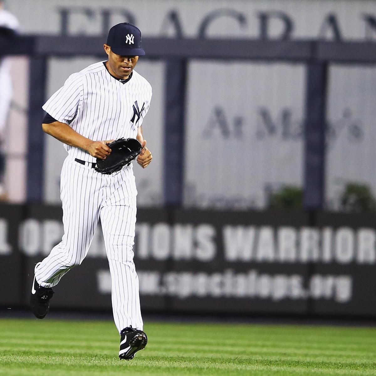 Mariano Rivera Entering The Game
