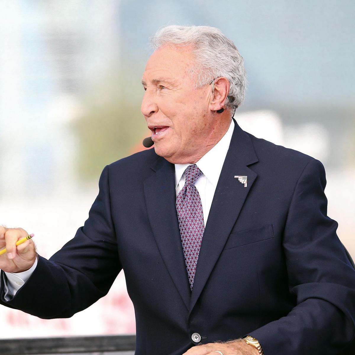 Watch Lee Corso Rep His 1954 Florida State Jersey with ...