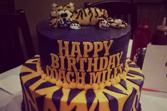 Lsu Football Coach Les Miles Gets Perfect Birthday Cake