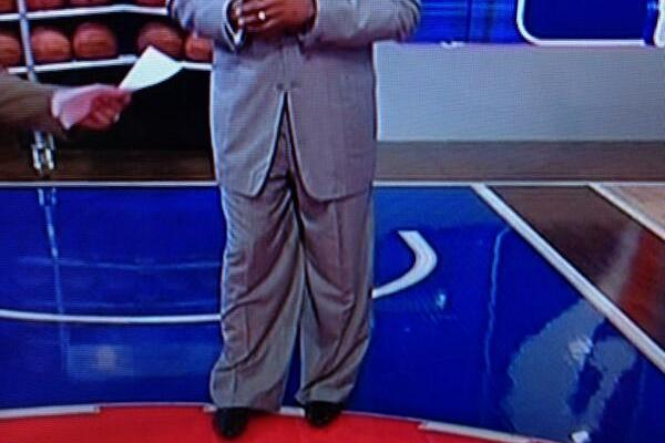 Tracy McGrady's NBA TV Getup Features Some Extremely Baggy