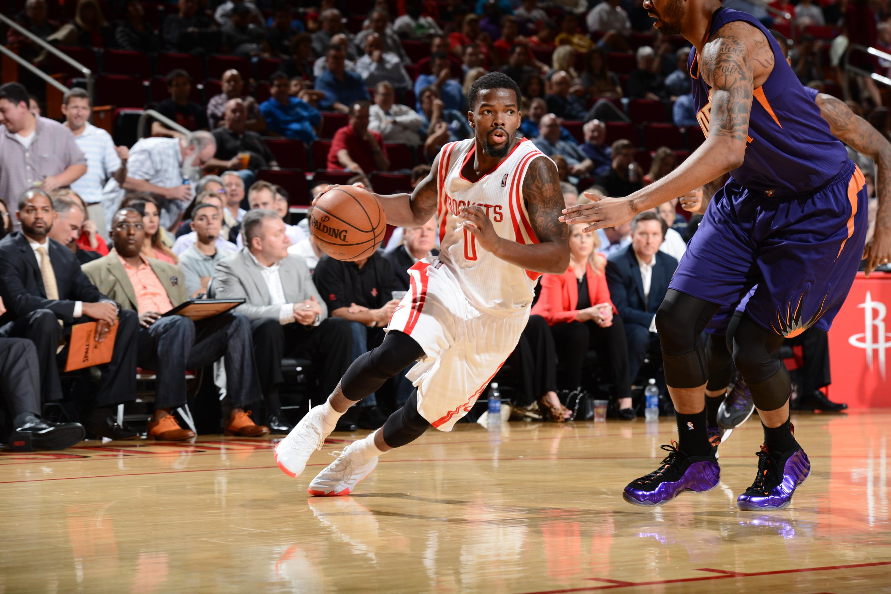 「小黑豆」Aaron Brooks將比賽球鞋贈與小球迷 球迷父親發推致謝-黑特籃球-NBA新聞影音圖片分享社區