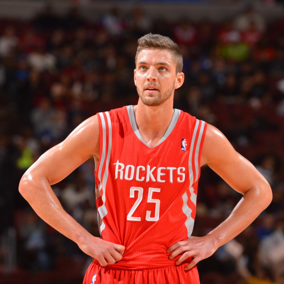Chandler Parsons Reportedly Ditches Nike To Sign With