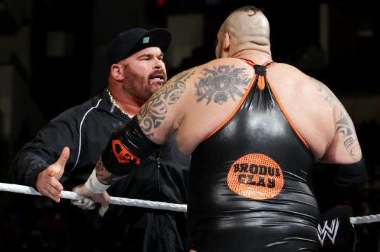 brodus clay s feud with tensai is make or break for both superstars