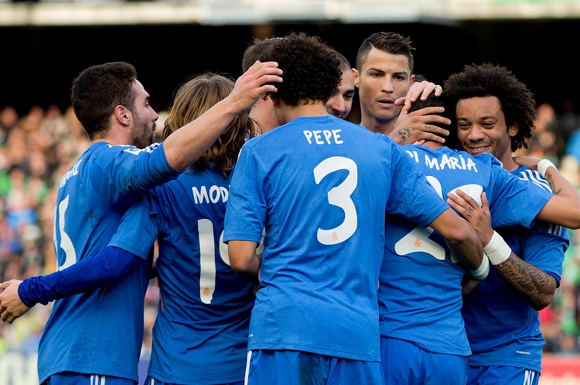 Gif Cristiano Ronaldo Bicycle Kick Assist For Alvaro Morata S Real Madrid Goal Bleacher Report Latest News Videos And Highlights