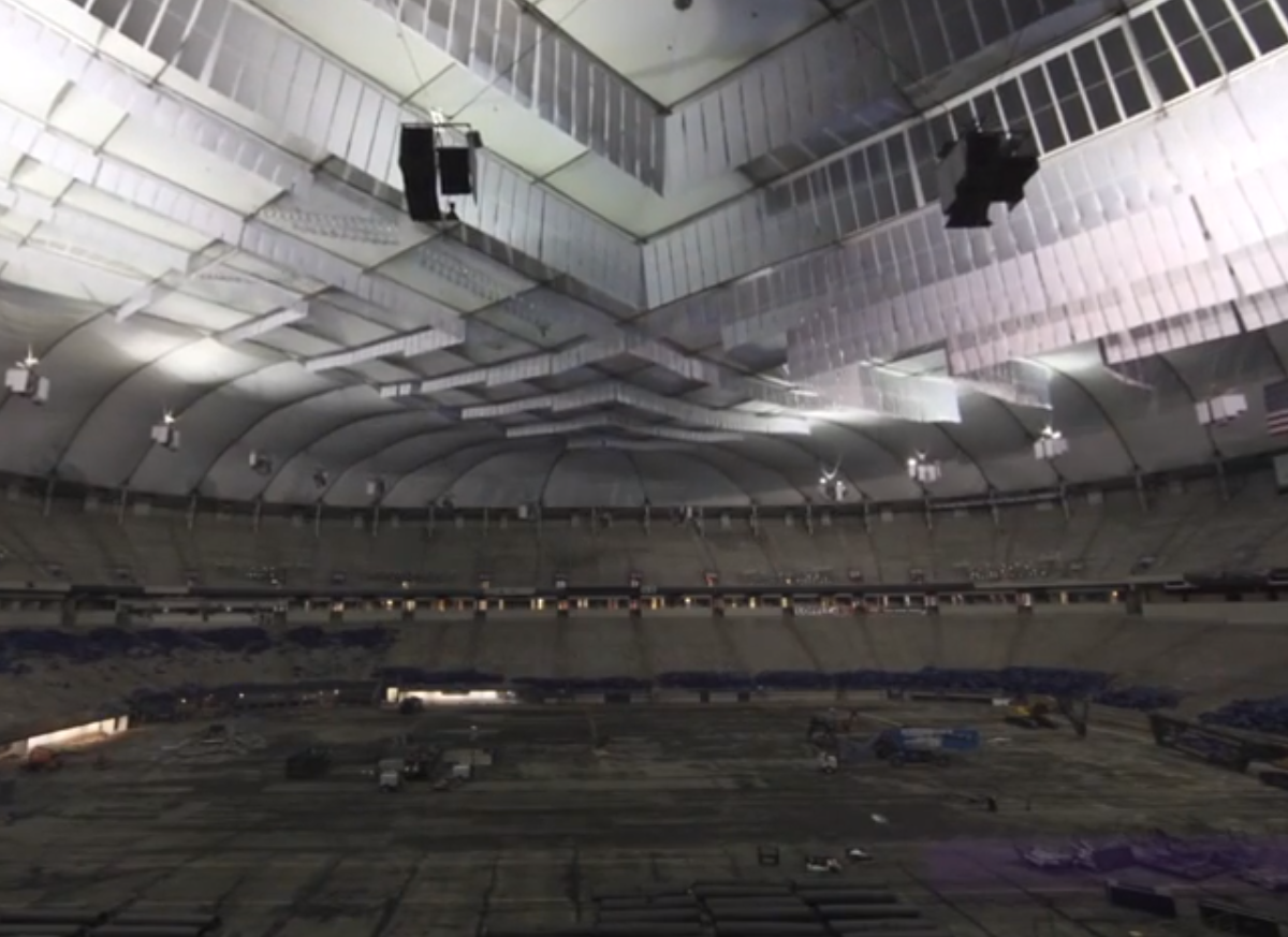 Metrodome roof collapses | Reuters.com