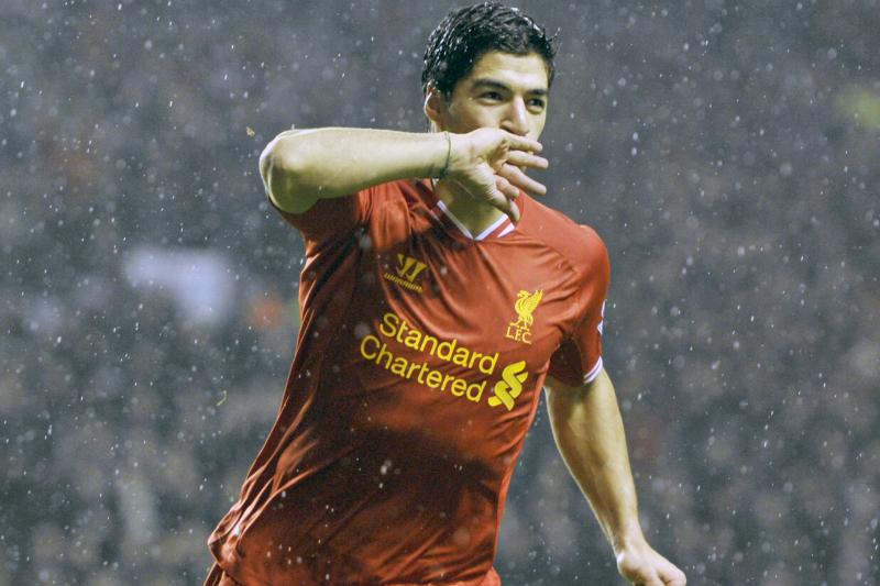 Luis Suarez Declares Liverpool Commitment, Says Steven Gerrard Is Club's Top Man