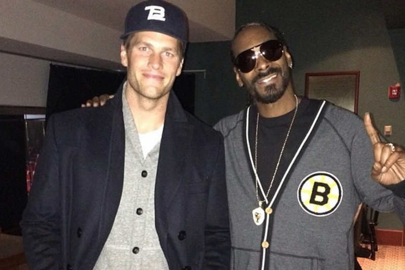 6ad34723d Tom Brady Hangs out with Snoop Dogg Before Snoop's Show at ...