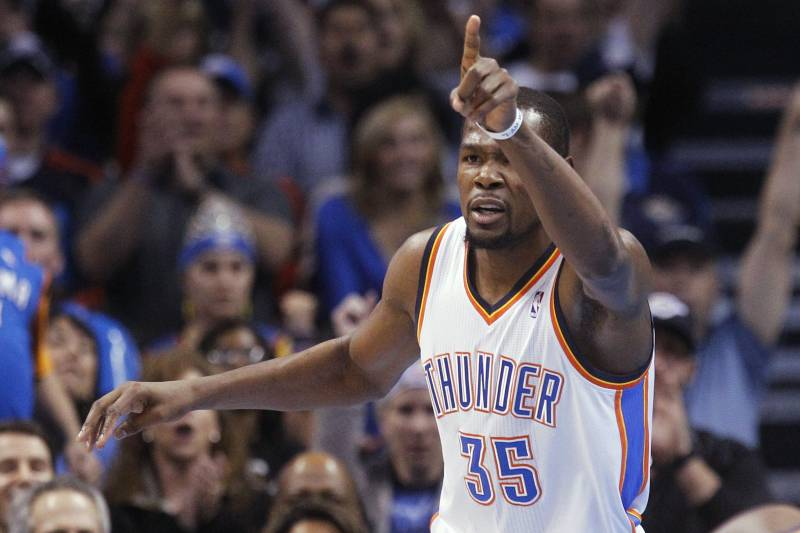ab55630e18c3 Kevin Durant Enters Michael Jordan Territory with 4th Scoring Title in 5  Years