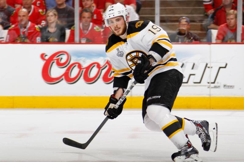 0538159582c Boston Bruins' Tyler Seguin, center, celebrates his goal in the third  period of