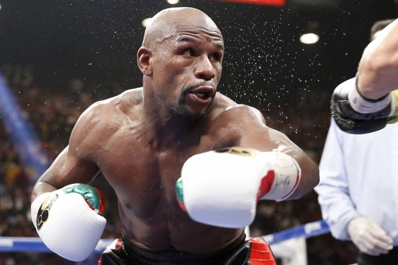 Floyd Mayweather Jr  Must Rely on Defense to Maintain Undefeated