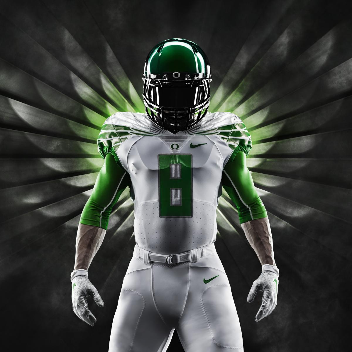 How Nike and Oregon Created College Football s Perfect Brand ... 2d12706de