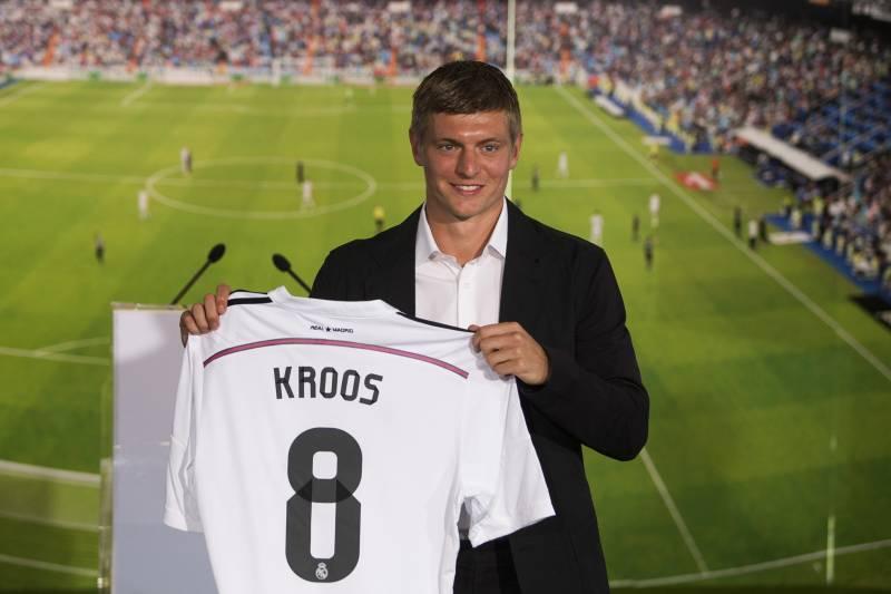 Real Madrid Transfer News  Toni Kroos Faces Tough Battle for ... c58ef64c0