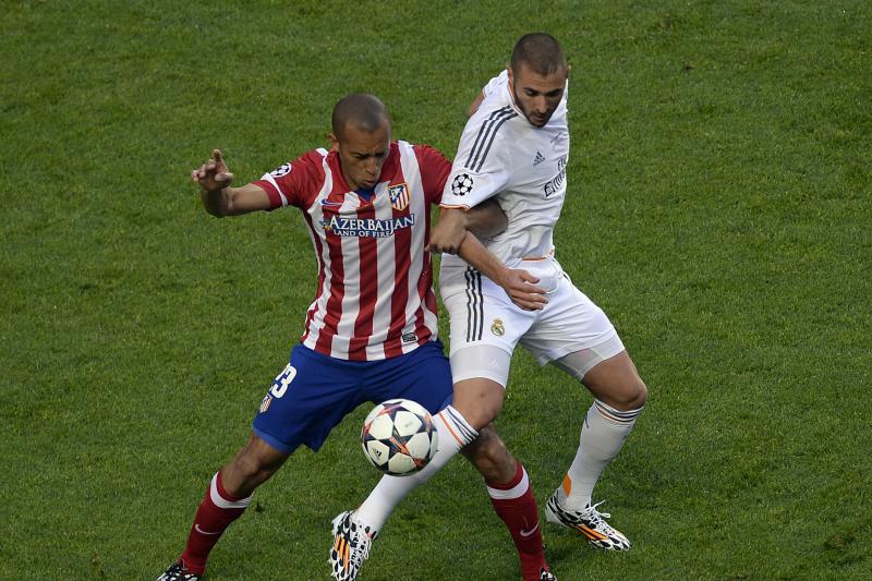 Chelsea Transfer News: Miranda Bid Reported, Fernando Torres Rumours Grow