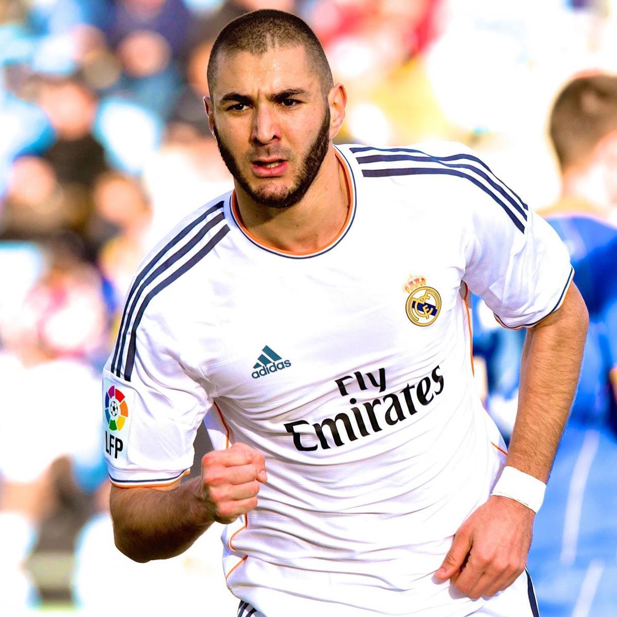 Javier Hernandez Real Madrid: Why Karim Benzema Is Better Striker Option Than Javier
