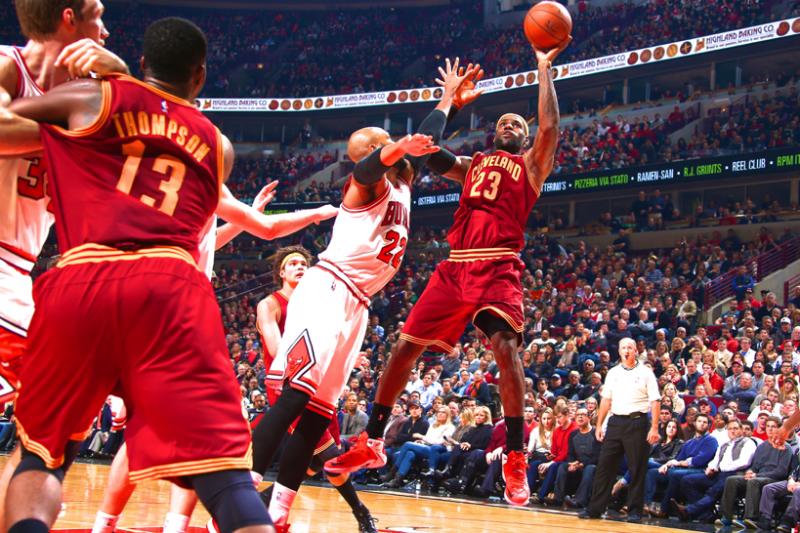 0807583ada7 Cavaliers vs. Bulls  Score and Twitter Reaction from 2014 Regular ...