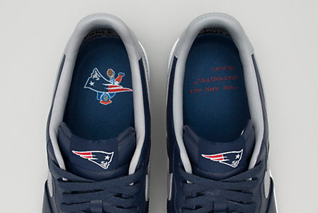 buy popular db89c c32c0 Patriots Owner Robert Kraft s Limited-Edition Nikes Sell out Quickly    Bleacher Report   Latest News, Videos and Highlights