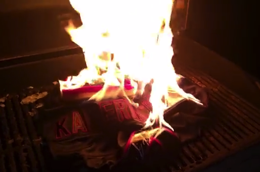 b7ce267e5 49ers Fans Torch Colin Kaepernick Jerseys After Loss to Raiders ...