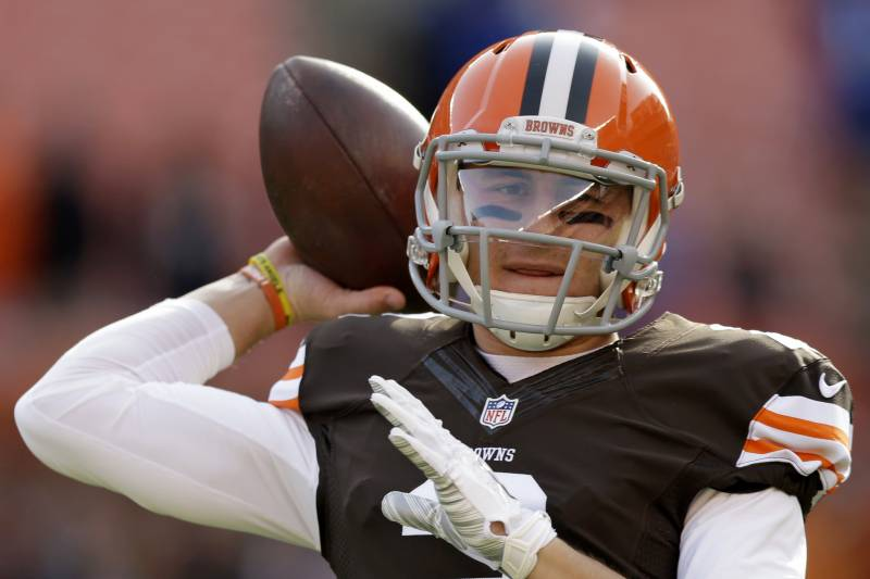 bf0b7353741 Cleveland Browns quarterback Johnny Manziel warms up before an NFL football  game against the Indianapolis Colts