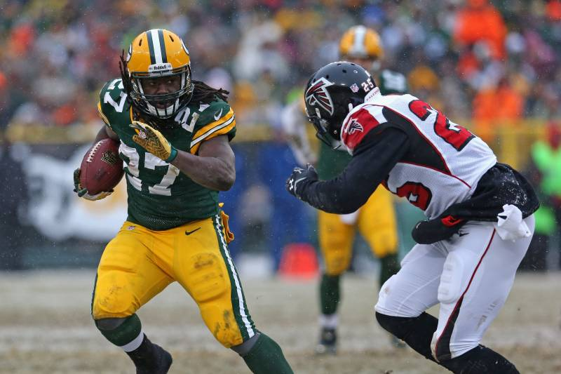 a2fc9962b9b Eddie Lacy Says He s  Very Blind  but Doesn t Want to Wear Prescription  Goggles