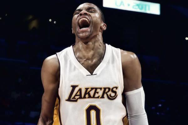 brand new 6d234 325b2 Snoop Dogg Tries Recruiting Russell Westbrook to Lakers with ...
