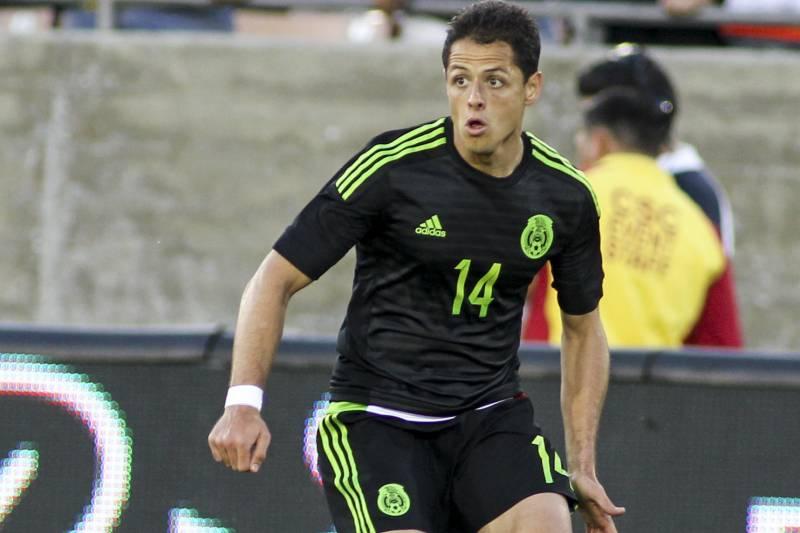b979e55e7 Mexico Javier Hernandez (14) in action during a soccer friendly match  against Ecuador,
