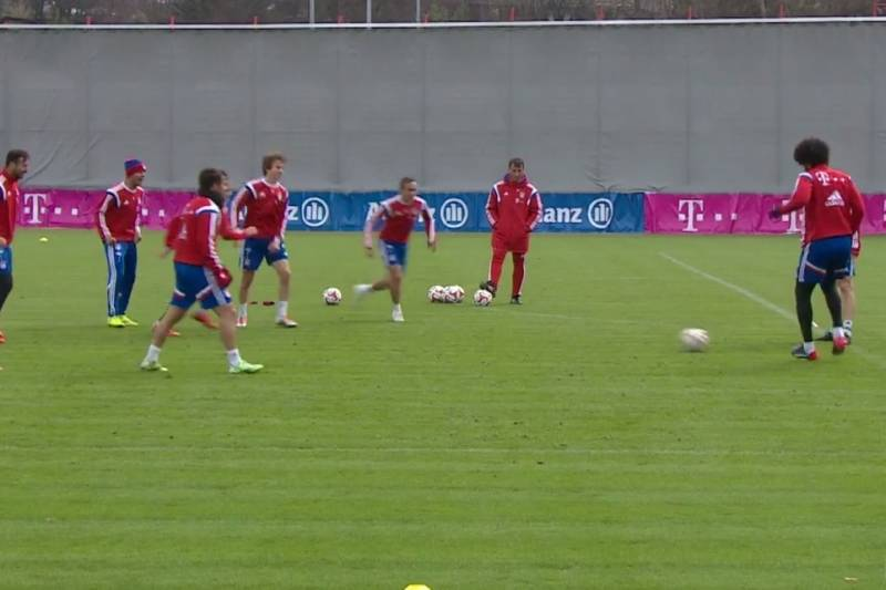 Bayern Munich Put on Ridiculous Rondo Display During
