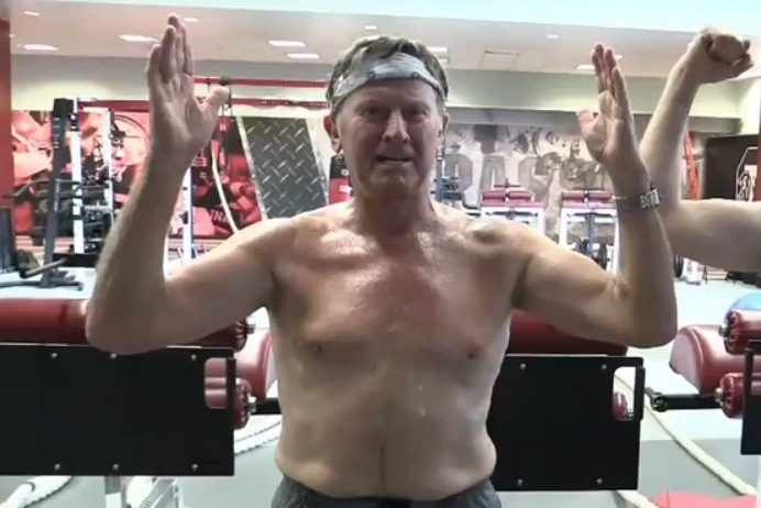 Steve Spurrier Works Out Shirtless with South Carolina ...