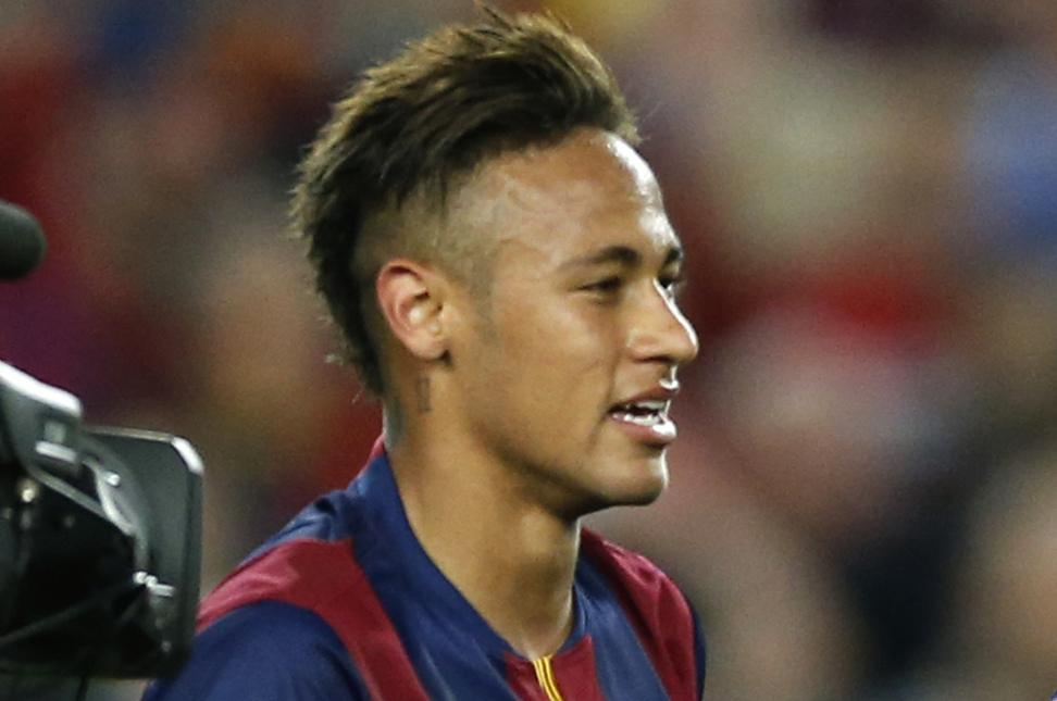 neymar spends 39 at least 39 2 000 a month on his hair. Black Bedroom Furniture Sets. Home Design Ideas