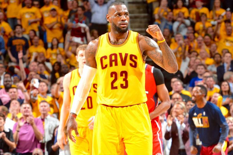 bb40bf8806e4 Hawks vs. Cavaliers  Game 4 Score and Twitter Reaction from 2015 NBA ...