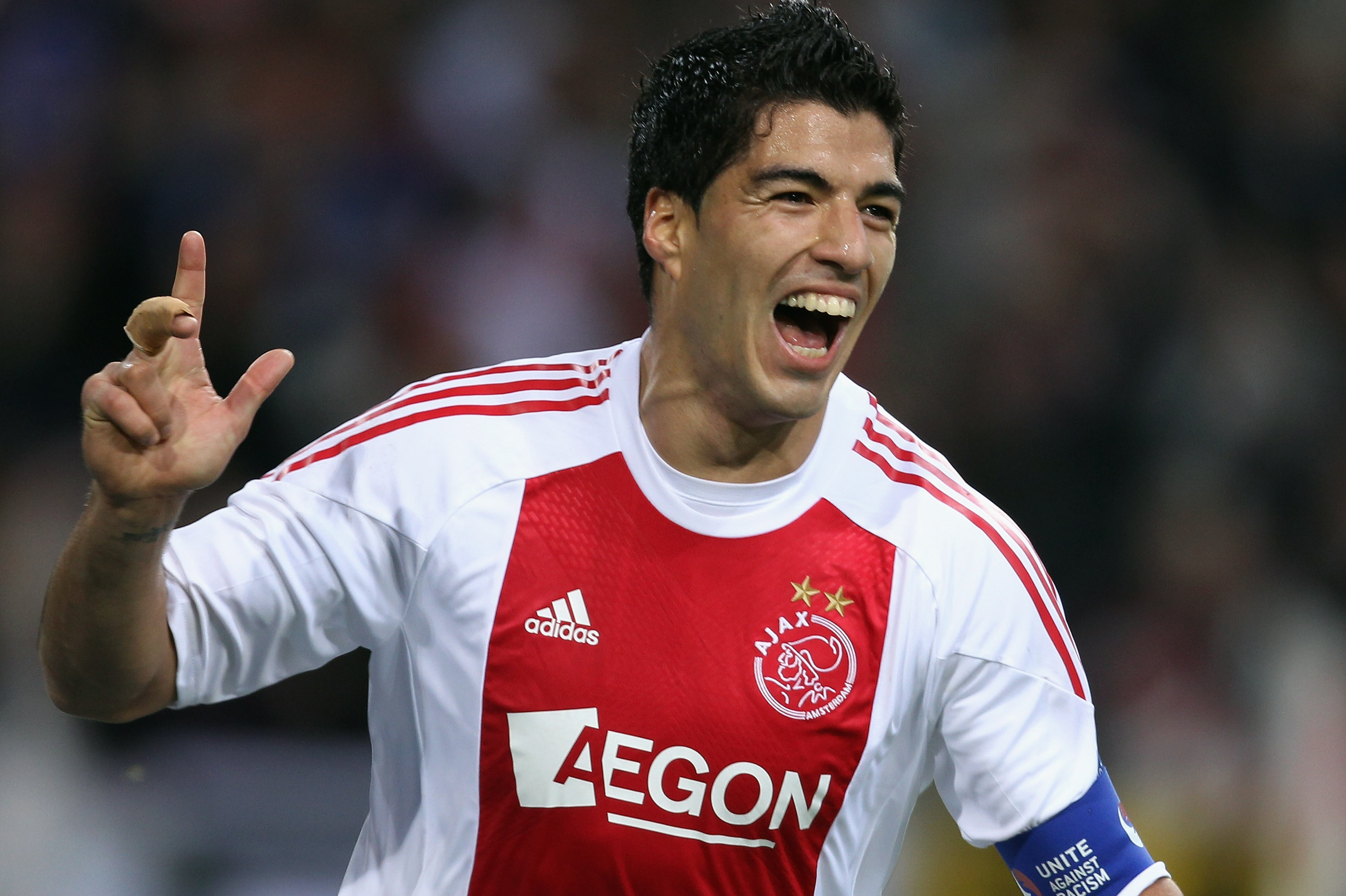promo code f7322 aaf82 Ajax Release Luis Suarez Tribute Video Ahead of Champions ...