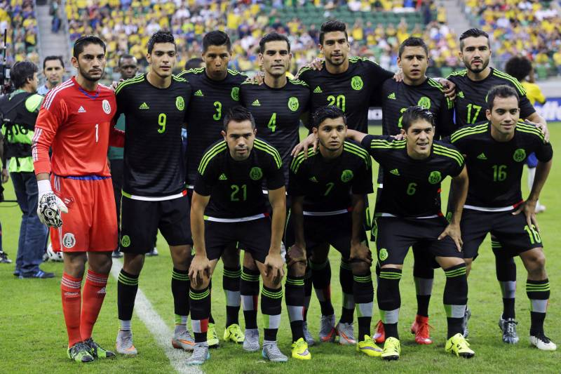 35054c3f1 Mexico soccer team poses for a photo prior to a friendly soccer match  against Brazil in
