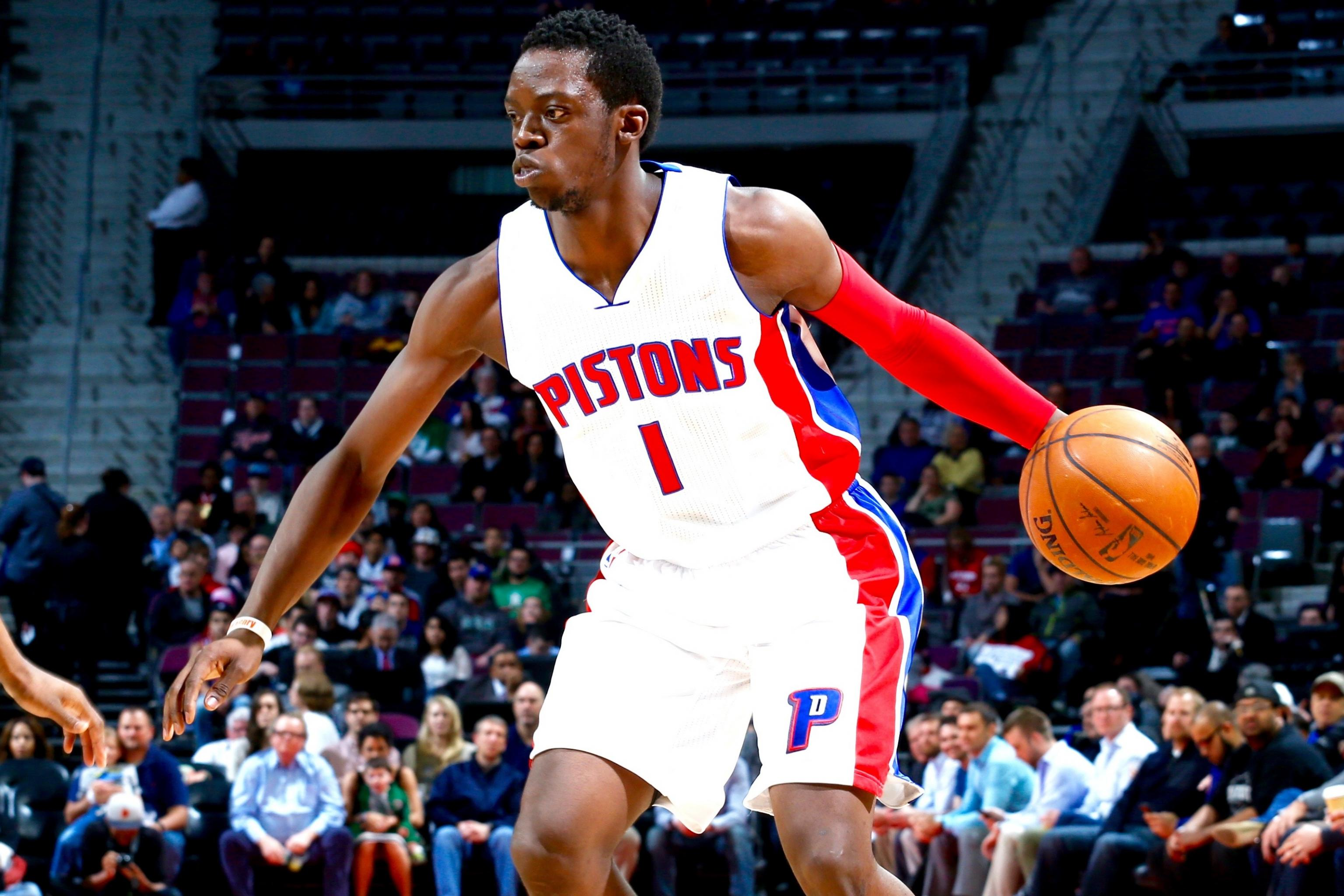 Reggie Jackson Re-Signs with Pistons ...