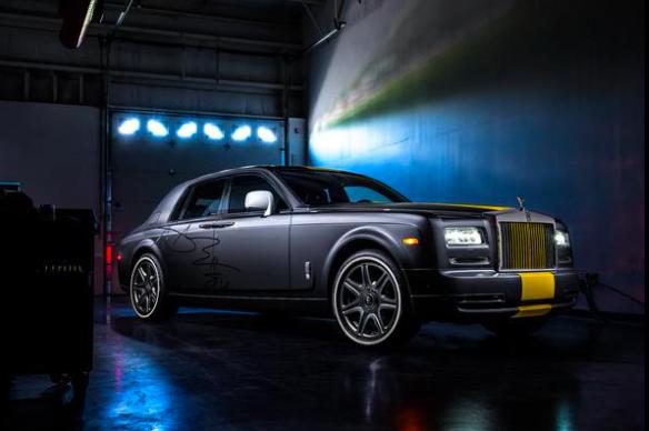 Antonio Brown Has Custom Steelers Themed Rolls Royce Phantom With