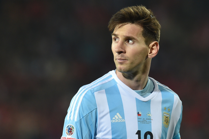 Lionel Messi Commits to Argentina After Winning UEFA Award with Barcelona