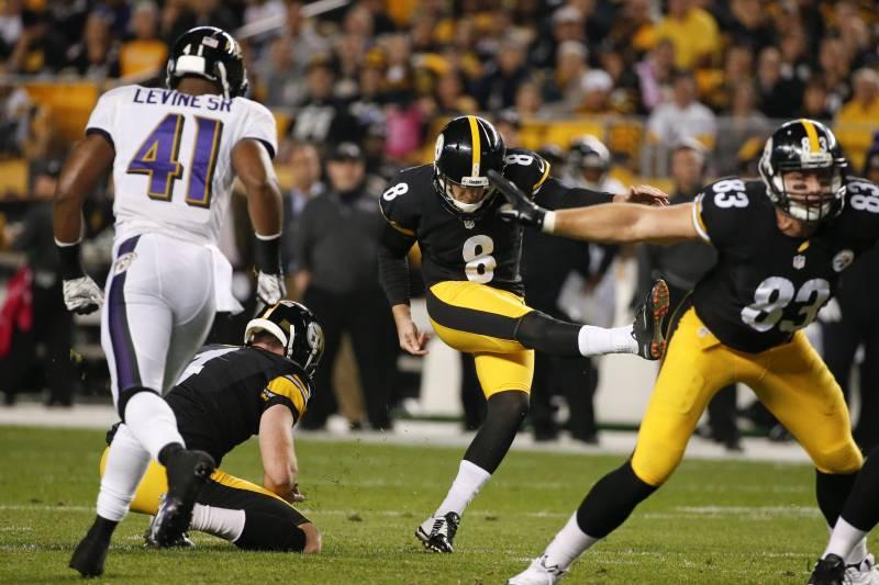 f6c29e027 Pittsburgh Steelers kicker Josh Scobee (8) kicks a field goal in the first  quarter