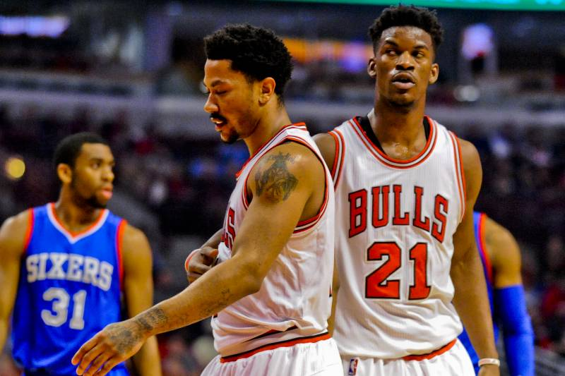 07c5e29350ef Chicago Bulls guard Derrick Rose (1) and guard Jimmy Butler (21) against