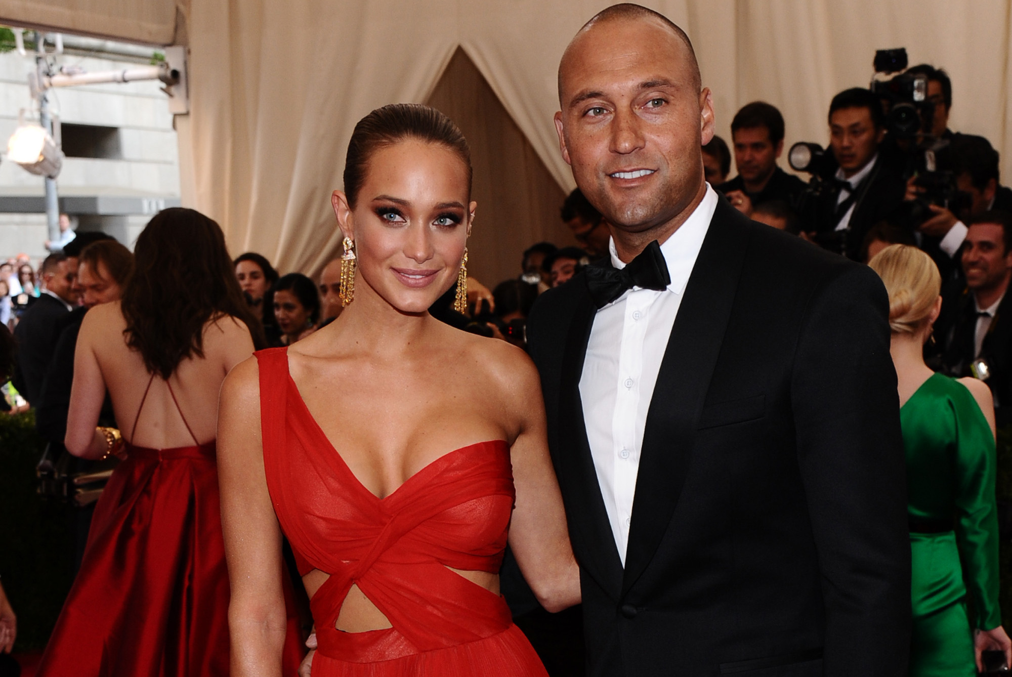 who is derek jeter currently dating