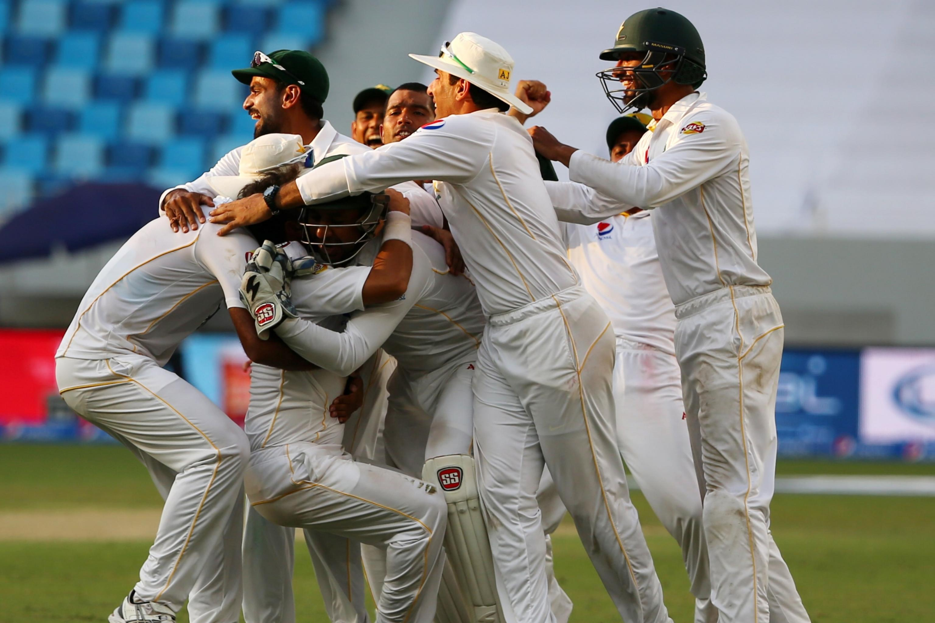 Pakistan Vs England 3rd Test Date Time Live Stream Tv Info Preview Bleacher Report Latest News Videos And Highlights