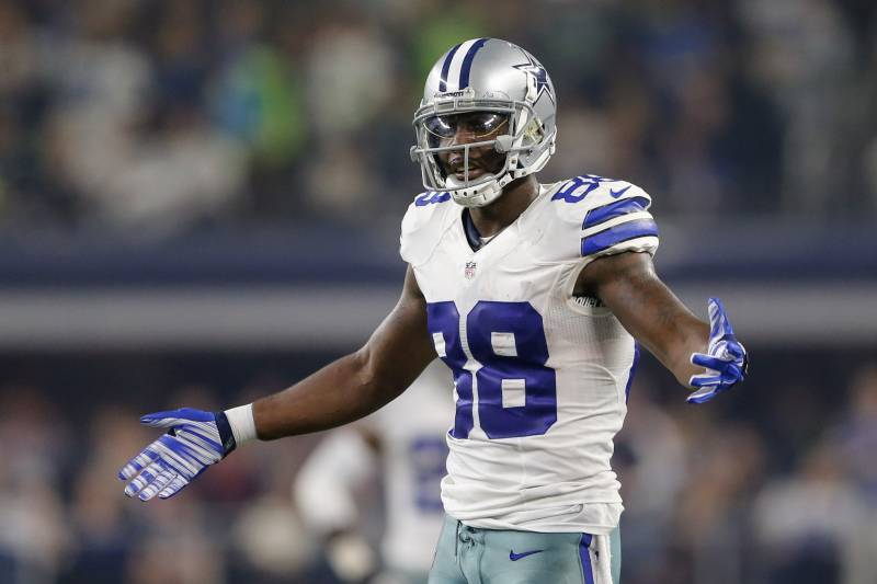 Dez Bryant Reportedly Screamed At Reporters Following