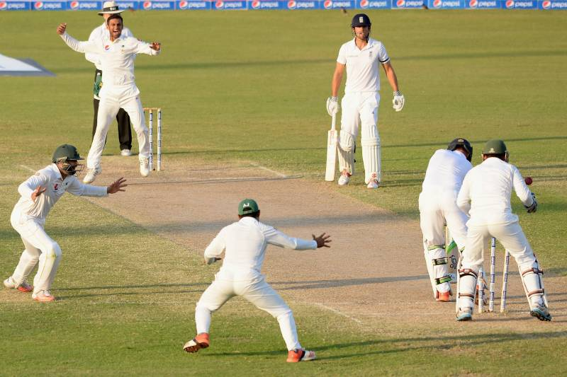 Pakistan Vs England 3rd Test Day 4 Hosts Turn Up The Heat On Cook And Co Bleacher Report Latest News Videos And Highlights