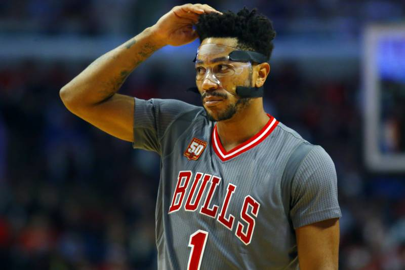 06152268ebdf Chicago Bulls guard Derrick Rose (1) gestures during the second half of an  NBA