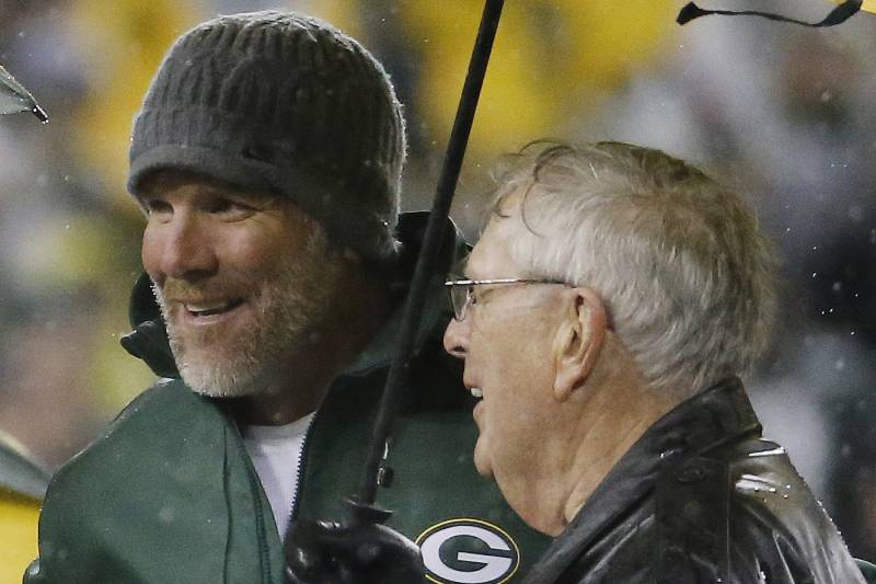 34a9f899110 Brett Favre Jersey Retirement: Details, Comments, Reaction to Packers  Ceremony