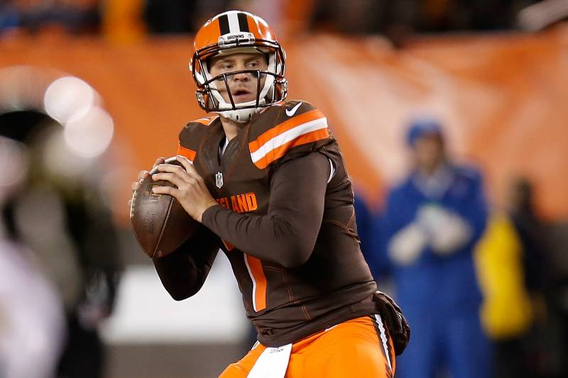 e3252f24be2d Browns quarterback Austin Davis had to step in for an injured Josh McCown  and played well