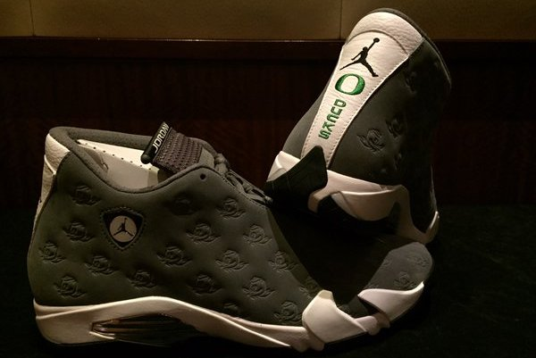c4a34815b4d3 Oregon Football Unveils Custom Air Jordan 14