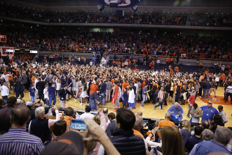 Auburn Fined 100k For Allowing Fans To Storm The Court