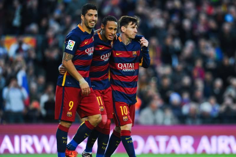 52f0f297 BARCELONA, SPAIN - NOVEMBER 28: Neymar (C) of FC Barcelona celebrates with