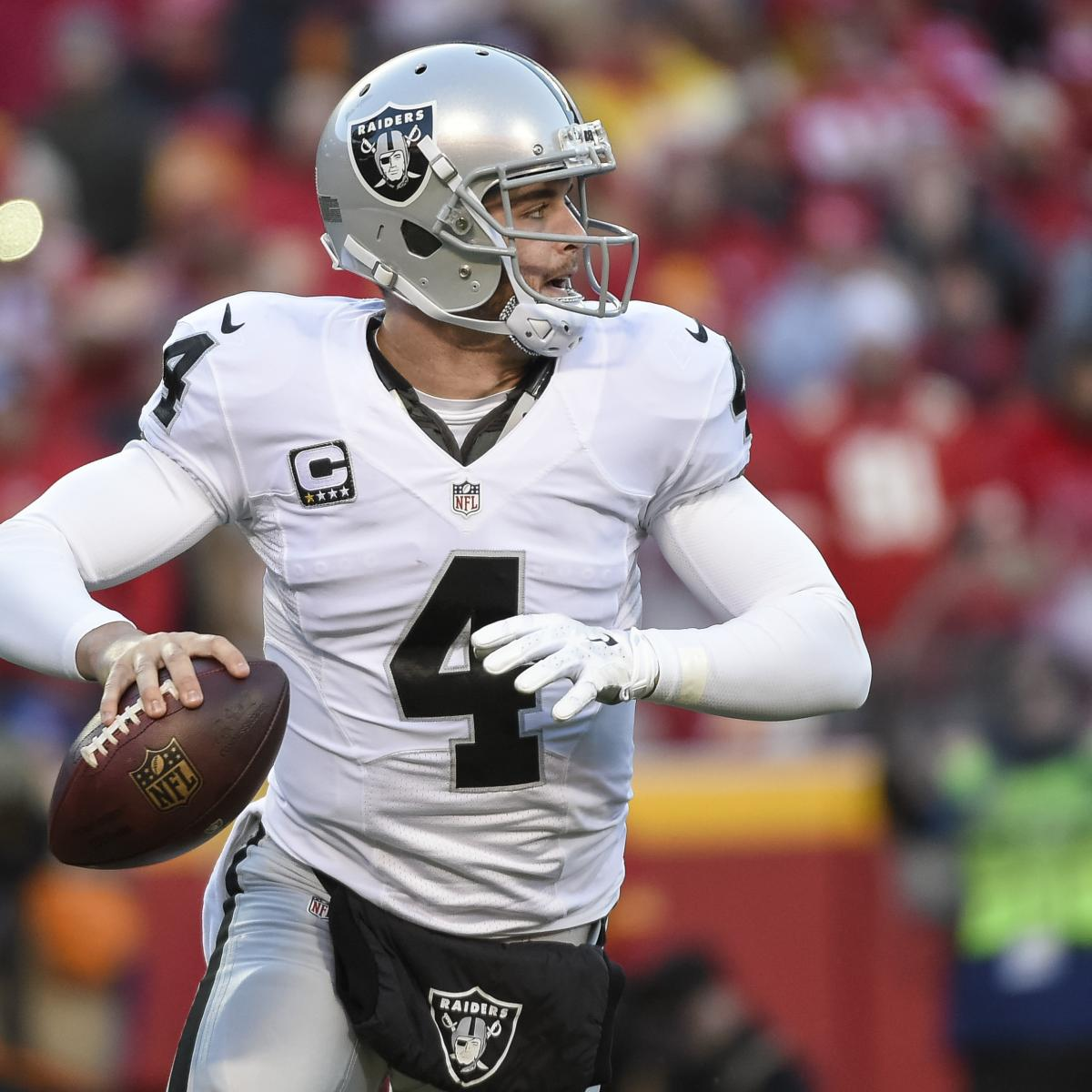 Derek Carr to Replace Aaron Rodgers at 2016 NFL Pro Bowl  b6a8e2d3a
