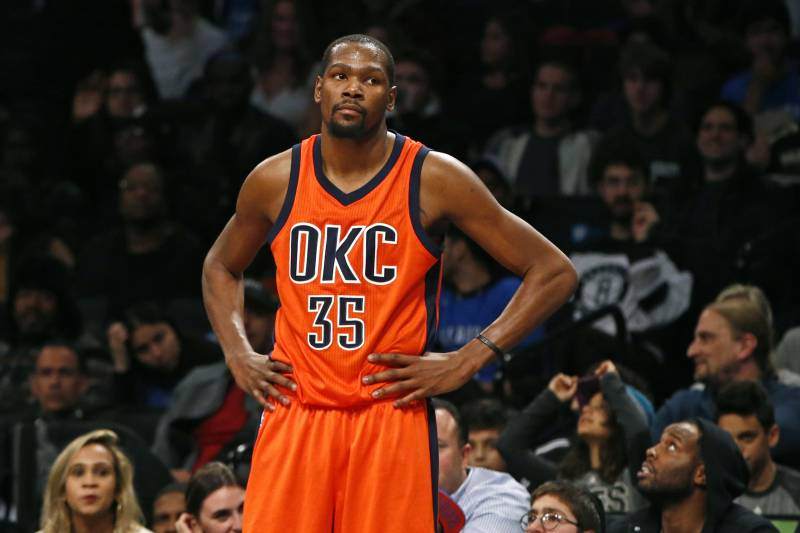 check out d1c0f 821bc Kevin Durant Speaks on Kristaps Porzingis' Skill Set, Rookie ...