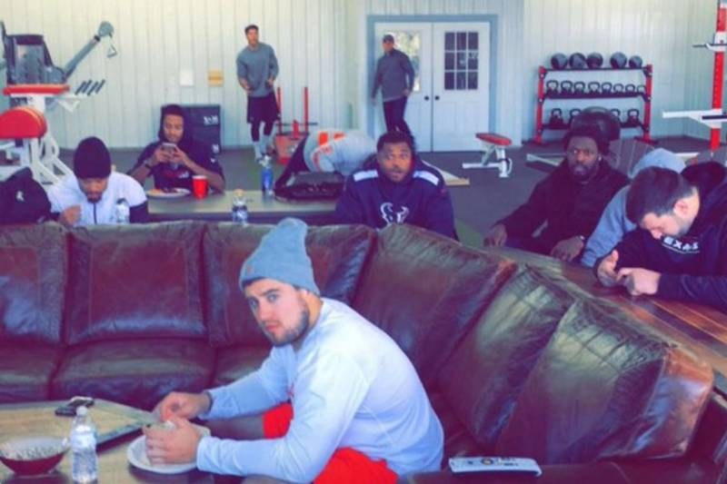 best sneakers c6de2 8613e J.J. Watt Flew 20-Plus Teammates to His Wisconsin Cabin for ...